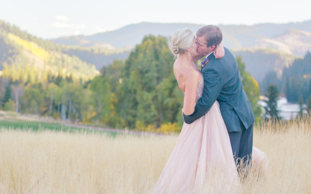 Karissa + Kelly Snake River Sporting Club Wedding